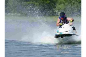 Corso guida sportiva moto d'acqua 100% online in tutta Italia