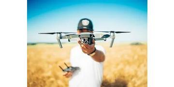 TECNICO DEI DRONI.jpg